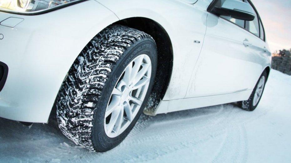 Коли міняти шини на зиму і чи варто це робити