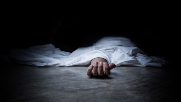 Знайшли тіло чоловіка на трасі: поліція просить допомогти впізнати (ФОТО +18)