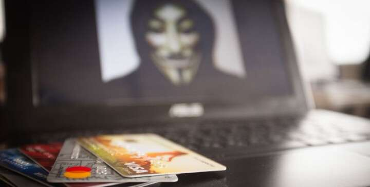Які схеми використовують при крадіжці грошей з банківських карт